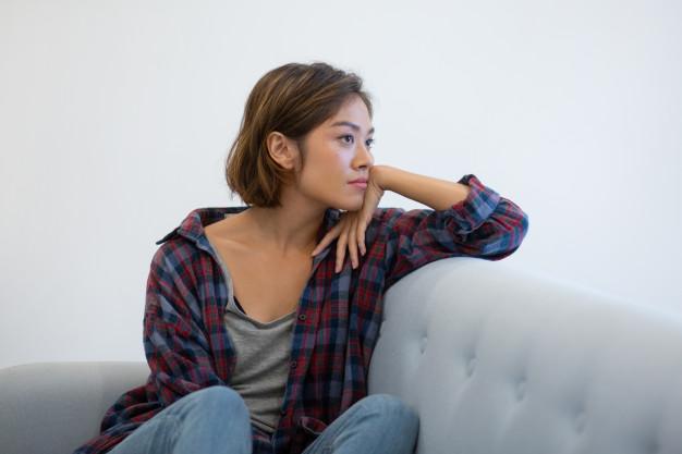 1f01922654d01f Modne bluzki damskie – propozycje dla każdej kobiety - Ubrania za ...